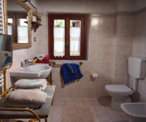 agriturismo-toscana-arezzo-palaie-appartamento-glicine8.jpg